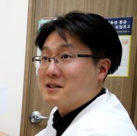 [전문가칼럼]'척추통증',빈대 잡으려고 초가삼간 태우지 마세요!